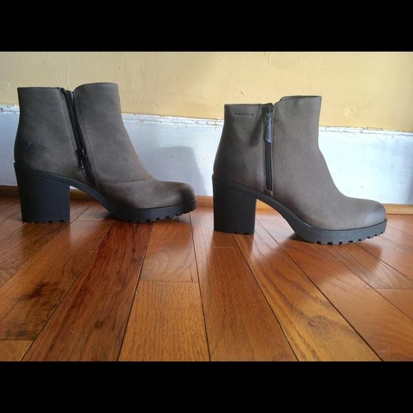 1e9e44865ca Vagabond Grace side zip STONE GREY nubuck boots NWT