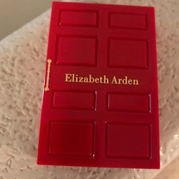 Delicieux NWOT Elizabeth Arden Red Door Bronzing Powder