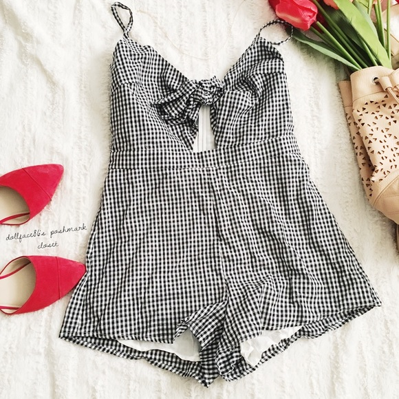5907efedf228 NWT UO Honey Punch Gingham Tie Front Romper