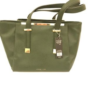 ARMY GREEN OLIVA  + JOY SHOULDER BAG BNWT!❤️