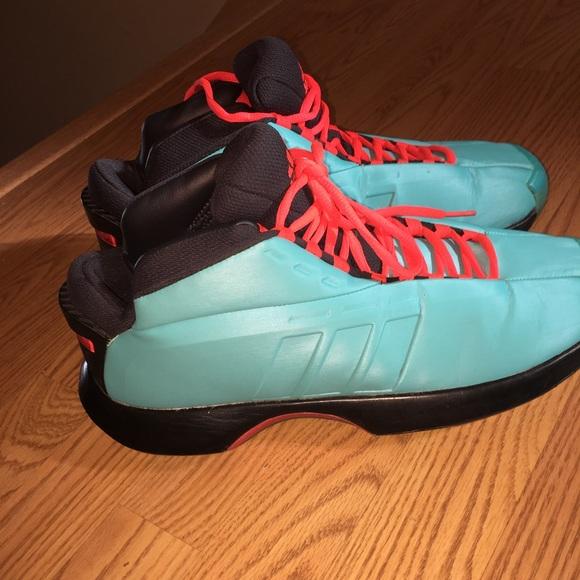 Adidas size 10 1/2 torsion basketball shoes