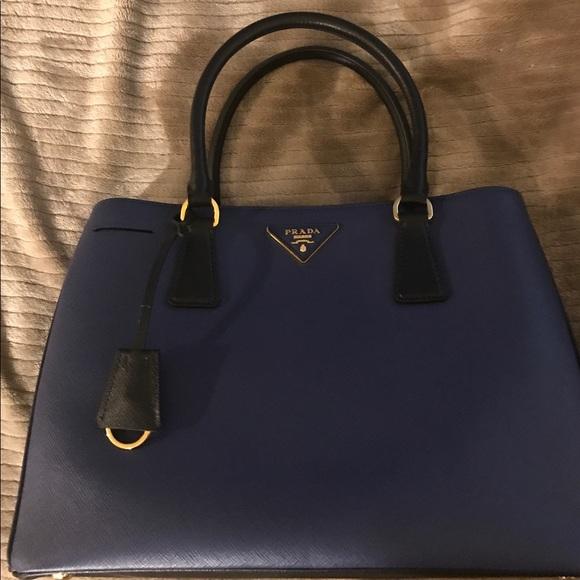 f19e4685f887 Prada handbag