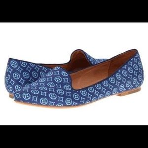 Joie blue ikat patterned daydreaming loafers
