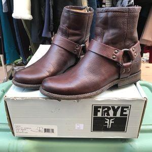 Frye Phillip harness dark brown boots 5.5B