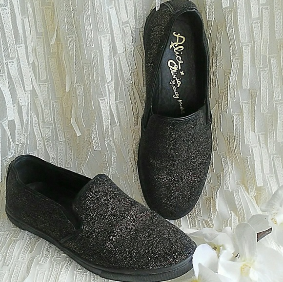 cc6a24de73a Alice   Olivia Shoes - Alice   Olivia  Pamela  Sneakers