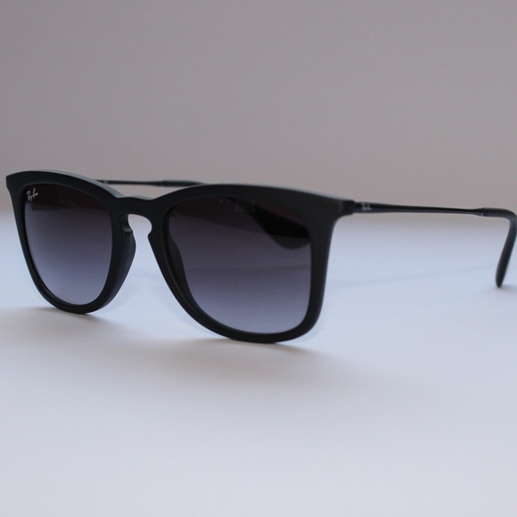 34ab07716e Ray-Ban Grey Gradient RB4221
