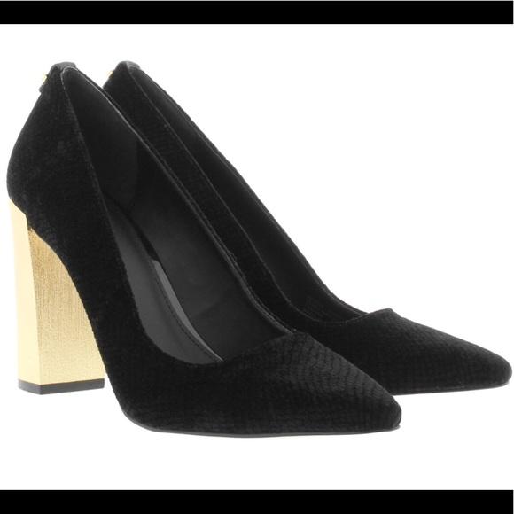 Black Shoes Gold Heel