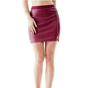 Guess Zalinda Mini Skirt Size XS