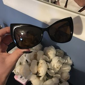 """House of Harlow 1960 """"Aly"""" Cat Eye Sunglasses! 💖"""