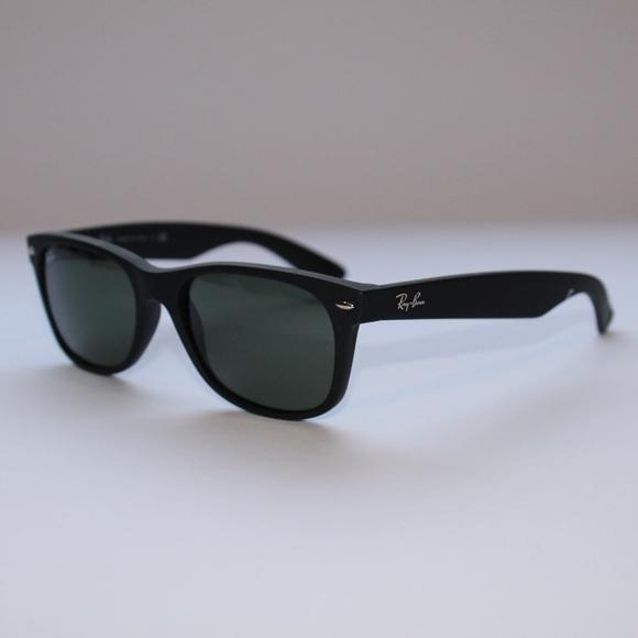 c85135d0342 Ray-Ban NEW WAYFARER CLASSIC Matte Black Green