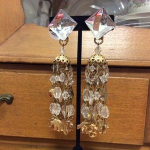 Vintage Jewelry - Zoo Animal Anchor Charm Earrings