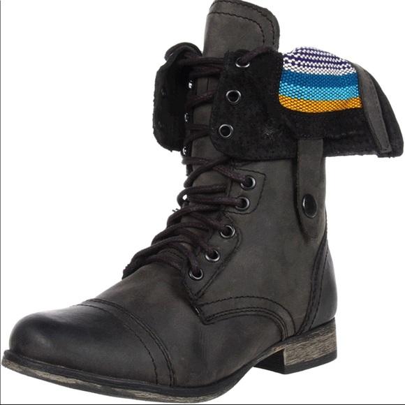 ffb40e80fd6 PRICE DROP Steve Madden Black Camarro Combat Boots