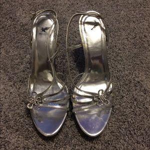 Women's size 8.5 Silver Heel