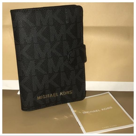 459bb0049aa7 Michael Kors Bags | Nwt Mk Jet Set Passport Holder Black | Poshmark