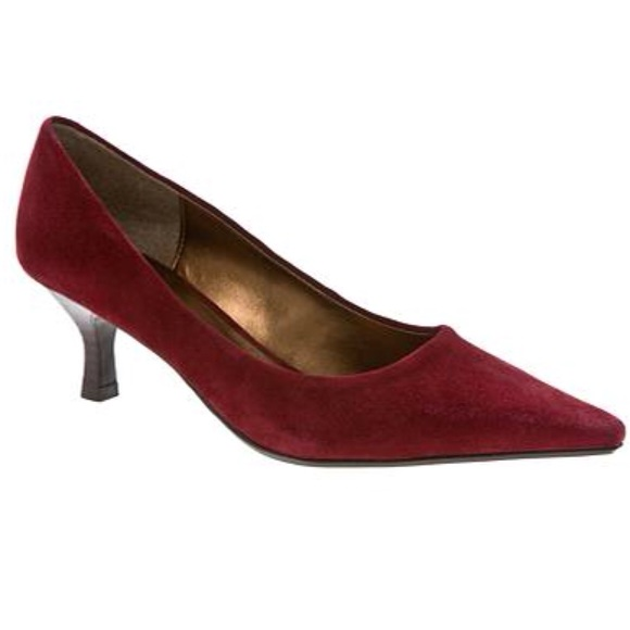 482248ffa7bb Kelly & Katie Shoes   Kelly Katie Maroon Suede Kitten Heels Like New ...