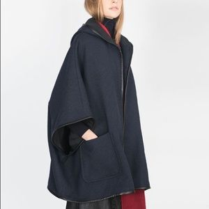 LEATHER-PIPED HOODED CAPE IN NAVY