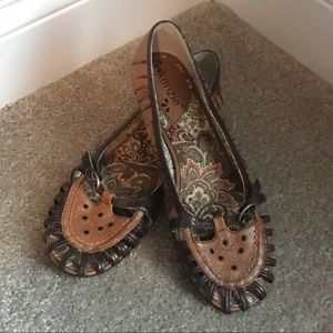 Kenzie leather loafers with small heel