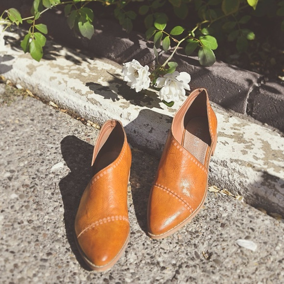 8cb534d47b9 iM Emma Freya Open Cutout Side Flats Shoes