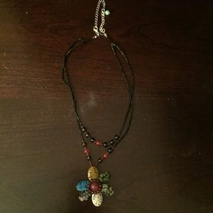 Jewelry - NEVER WORN Flower necklace, 16-18 inches