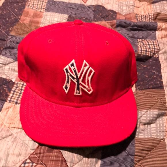 a123359818a 4th of July New York Yankees hat. M 5a1a4c7d522b45202204d775