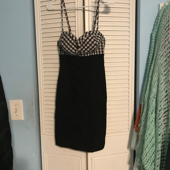 Guess Dresses & Skirts - GUESS cocktail dress! Gentle used and full of fun!