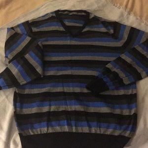 Old Navy V neck men's sweater