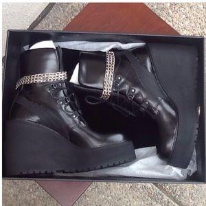 ef7a94d2149b24 Puma Fetty Rihanna Shoes - Rihanna Puma Fenty Black Wedge SB WNS 363039-01
