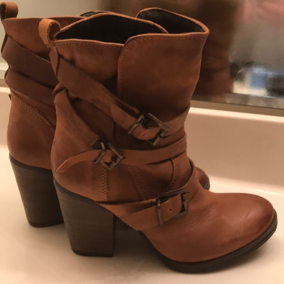 bfbe25dfaac Steve Madden Raleigh Cognac Leather Ankle Boots