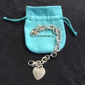 Jewelry - Tiffany & Co Classic Heart on Chain Link bracelet