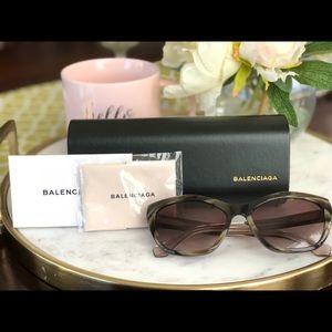 NEW 100% Authentic Balenciaga Cat eye sunglasses