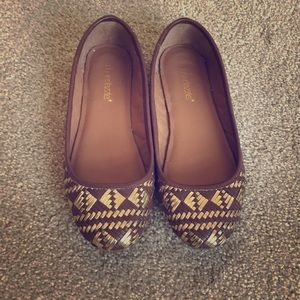 ShoeDazzle Brown and Gold Weaved Flats