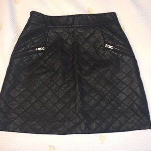 ✨NEVER WORN✨Topshop Faux Leather Quilted Skirt