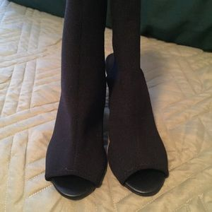 Cute peep toe Boots!