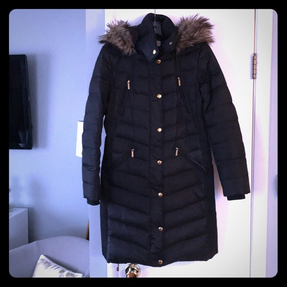 c580d86dde4c9 Michael Kors Faux Fur Trim Hooded Puffer Coat. M 5a1ae9917f0a057c98064df1
