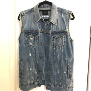 URBAN OUTFITTERS Faded Oversized Denim Vest
