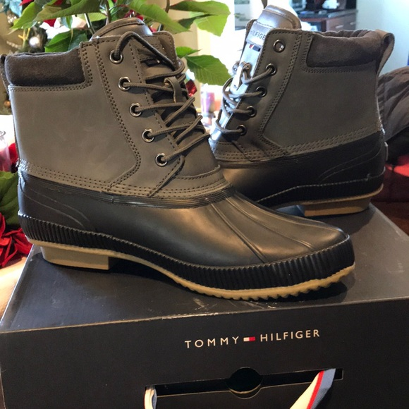 24837bc24b547a Tommy Hilfiger  NEW Charlie Duck Waterproof boots