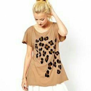 Wild Fox Cheetah /Leopard Distressed Tshirt SZ S