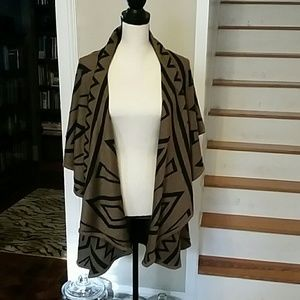 Artisan by Robin Barre 2-Tone Cape NWT