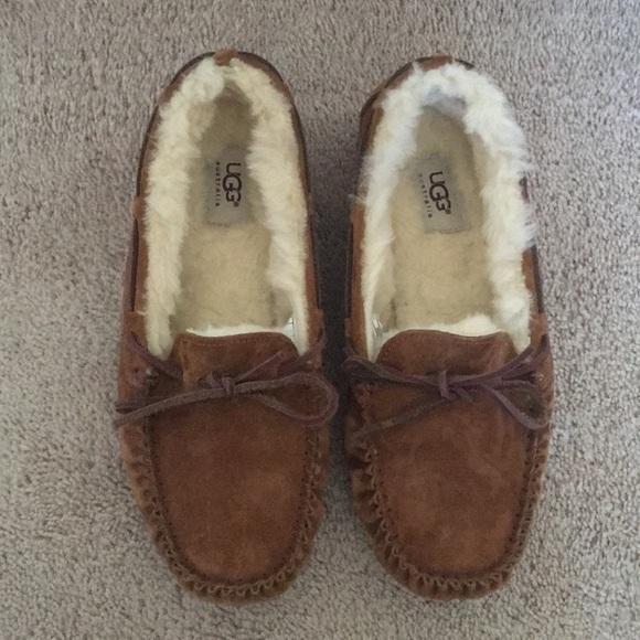 37034894d6e Women's UGG Dakota Moccasin Chestnut Size 9