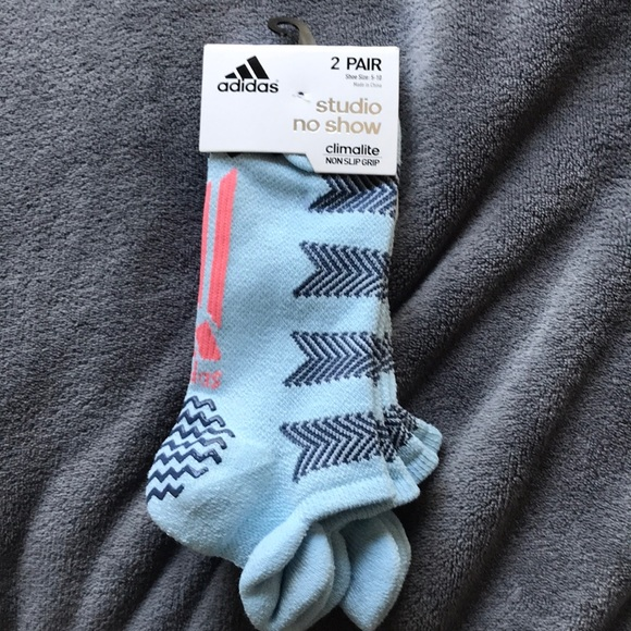 a80e4ac6a adidas Accessories | Climalite Studio Grip Socks Shoe Size 510 ...