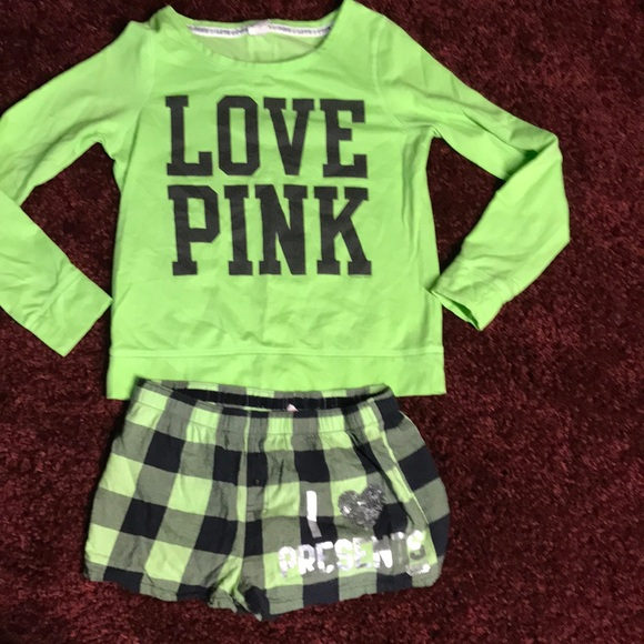 873f23023f Victoria s Secret PINK Christmas pajama set. M 5a1b0be69c6fcf590d072613