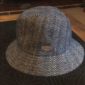 Kangol Wool Blend Herringbone Clipper Lrg Hat NWT