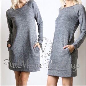 Sweatshirt dress with pockets