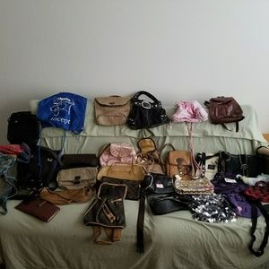 Handbags - This is not a bundle-purse