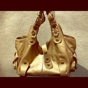 Beautiful Chloë bag in a yummy color gold