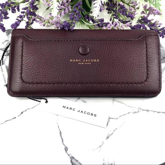 Marc Jacobs Handbags - Marc Jacobs Recruit Standard Continental Wallet