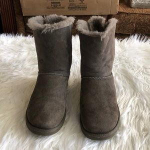 UGG Shoes - UGG Women's Bailey Bow Gray Boots Size 7