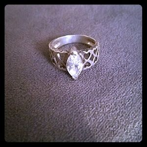 Jewelry - Vintage Ring!