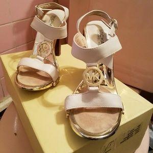 Michael Kors leather  Fulton sandal