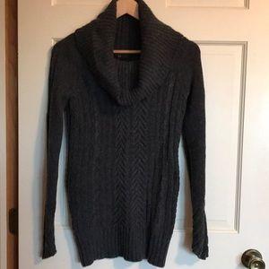 BCBG Maxazria charcoal heather sweater